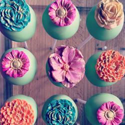 Pretty floral favours