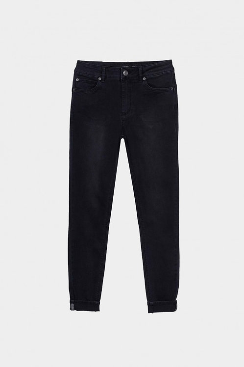 Pantalón Bodu Curve Skinny negro