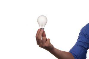 Aprenda a instalar mais de uma luminária no mesmo interruptor