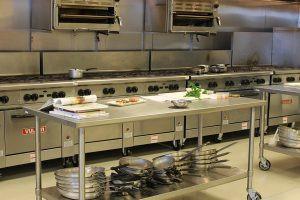 Qual a lâmpada mais indicada para as cozinhas industriais?