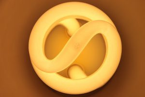 Os perigos que uma lâmpada compacta fluorescente oferece