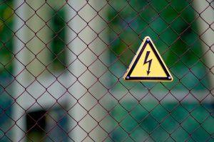 Mais de uma morte por dia é resultado de choque elétrico