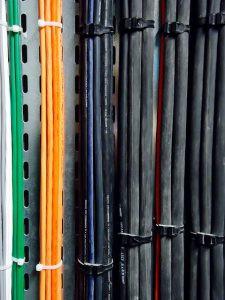 Veja o que as cores representam nos cabos elétricos