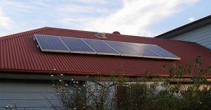 Economia colocam painéis solares