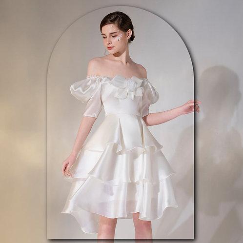 T08- Váy 3 tầng đính hoạ tiết cánh hoa ngực