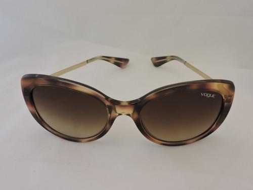3fe03ab8e Óculos Solar Tartaruga Vogue