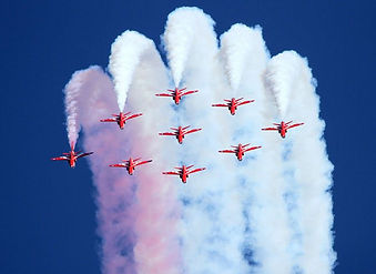red-arrows-airbourne-2010-landscape-2398