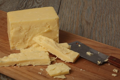 Taw Valley Mature cheddar 500g