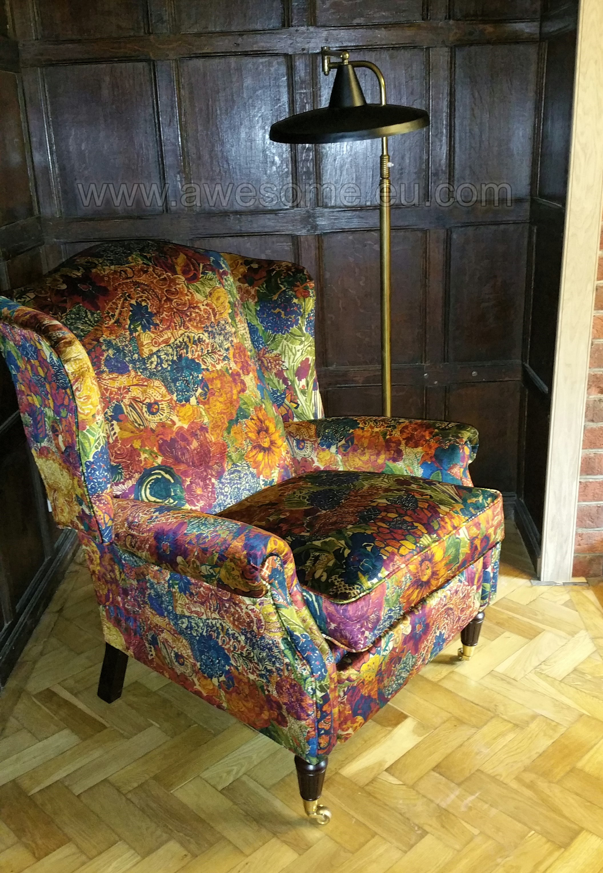 Reclining wing arm chair