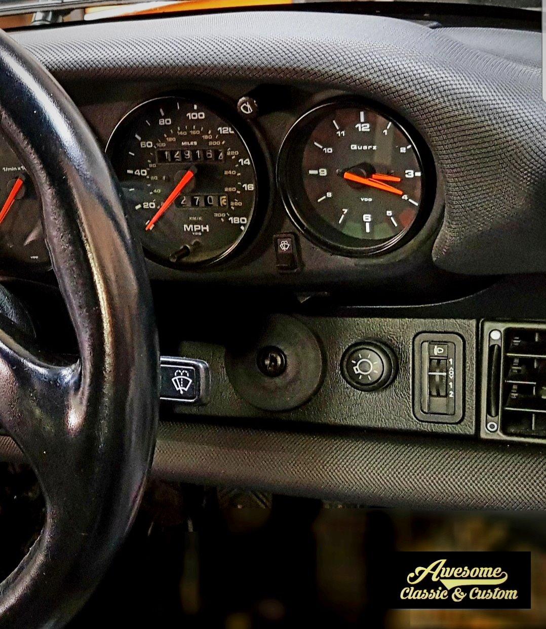 Porsche 911/964 dashboard