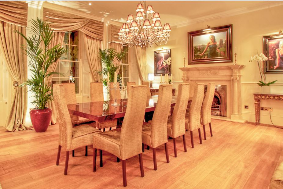 Set of dining room chairs