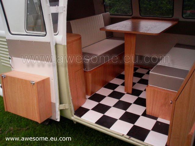 Split scren Volkswagen Campervan SG2