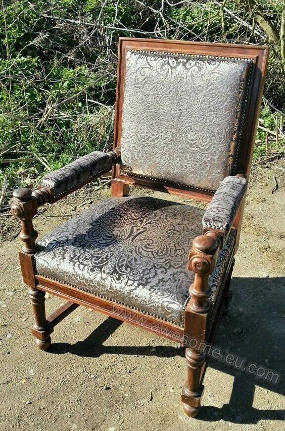 Reupholstered arm chair in metallic fabric 2