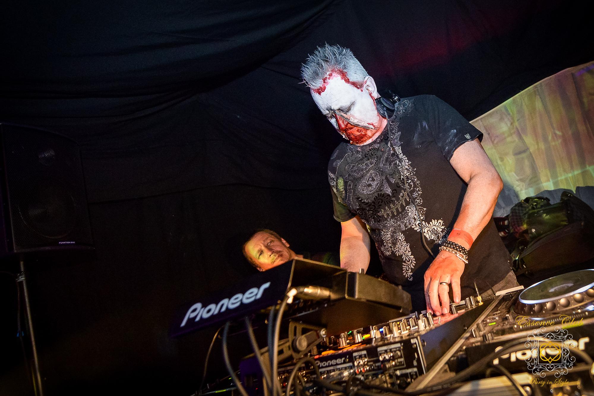 Mark Doyle Dj at Essence club heaven and hell