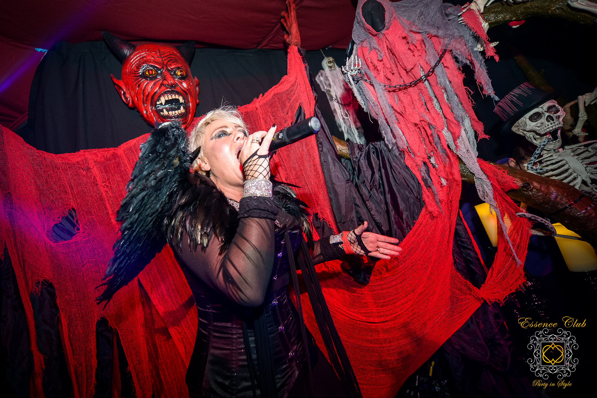 Essence club hell event singer Soraya vivian 2