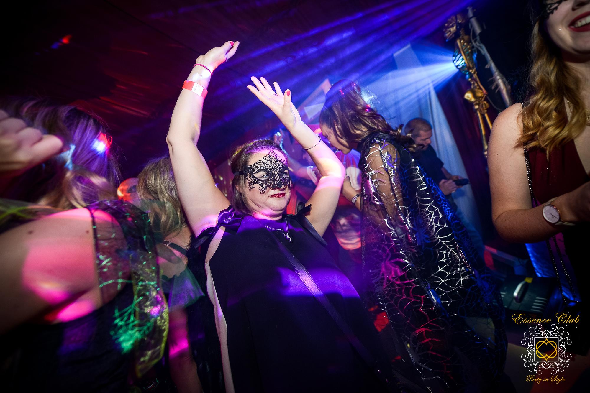 Essence dance theme night
