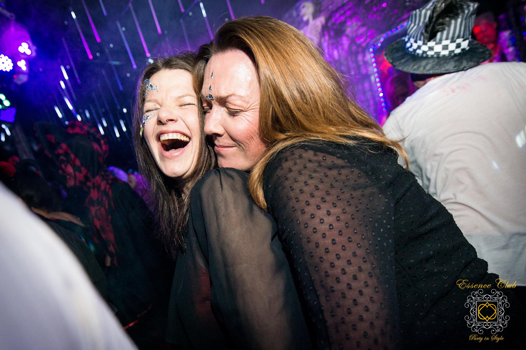 Essence Club love parties