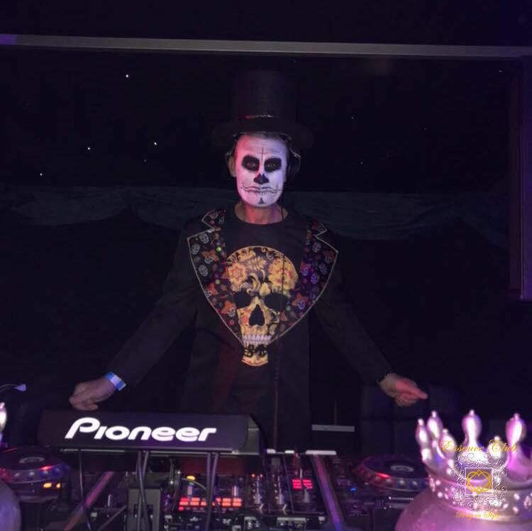 DJ Mark Hones