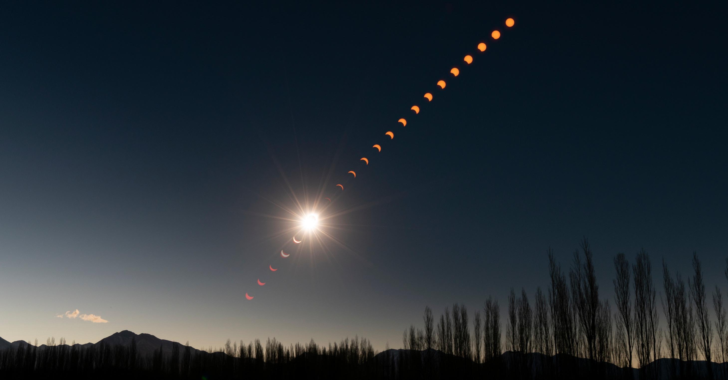Eclipse Sequence JPG 7_edited.jpg