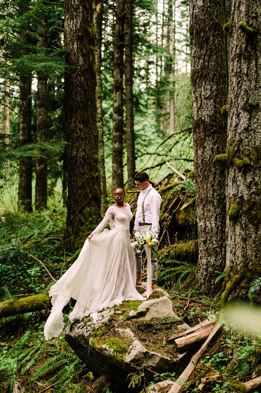 What to Wear When You Elope - Elopement Dresses & Suits