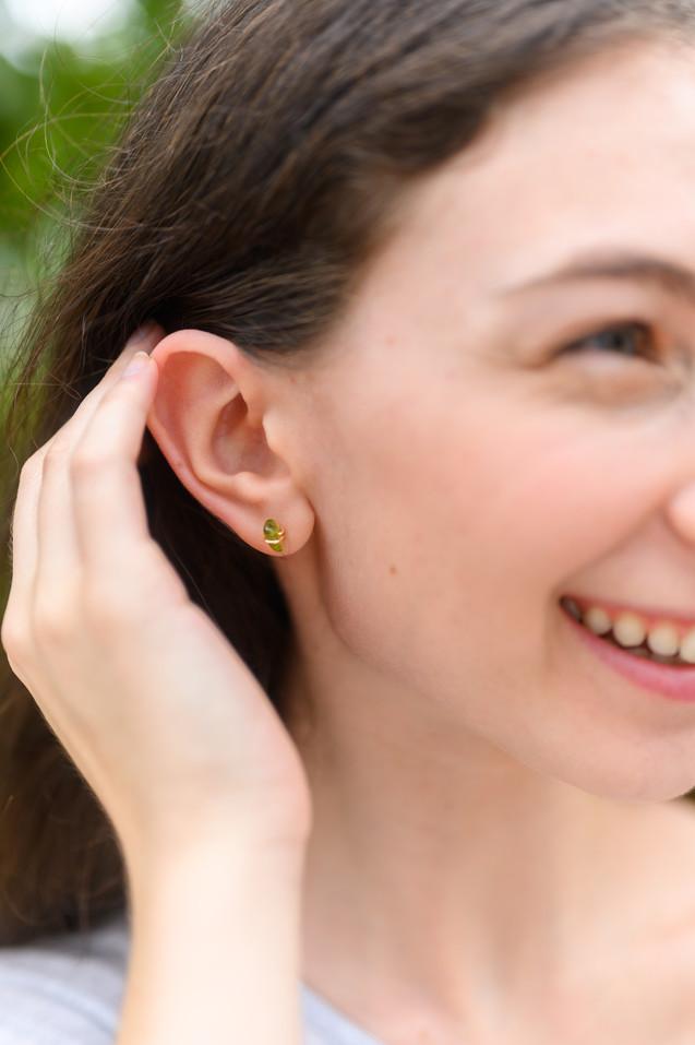 seattle branding photographer in earrings