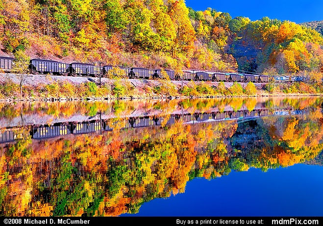 Freight-Train-PA 10 30 07.jpg