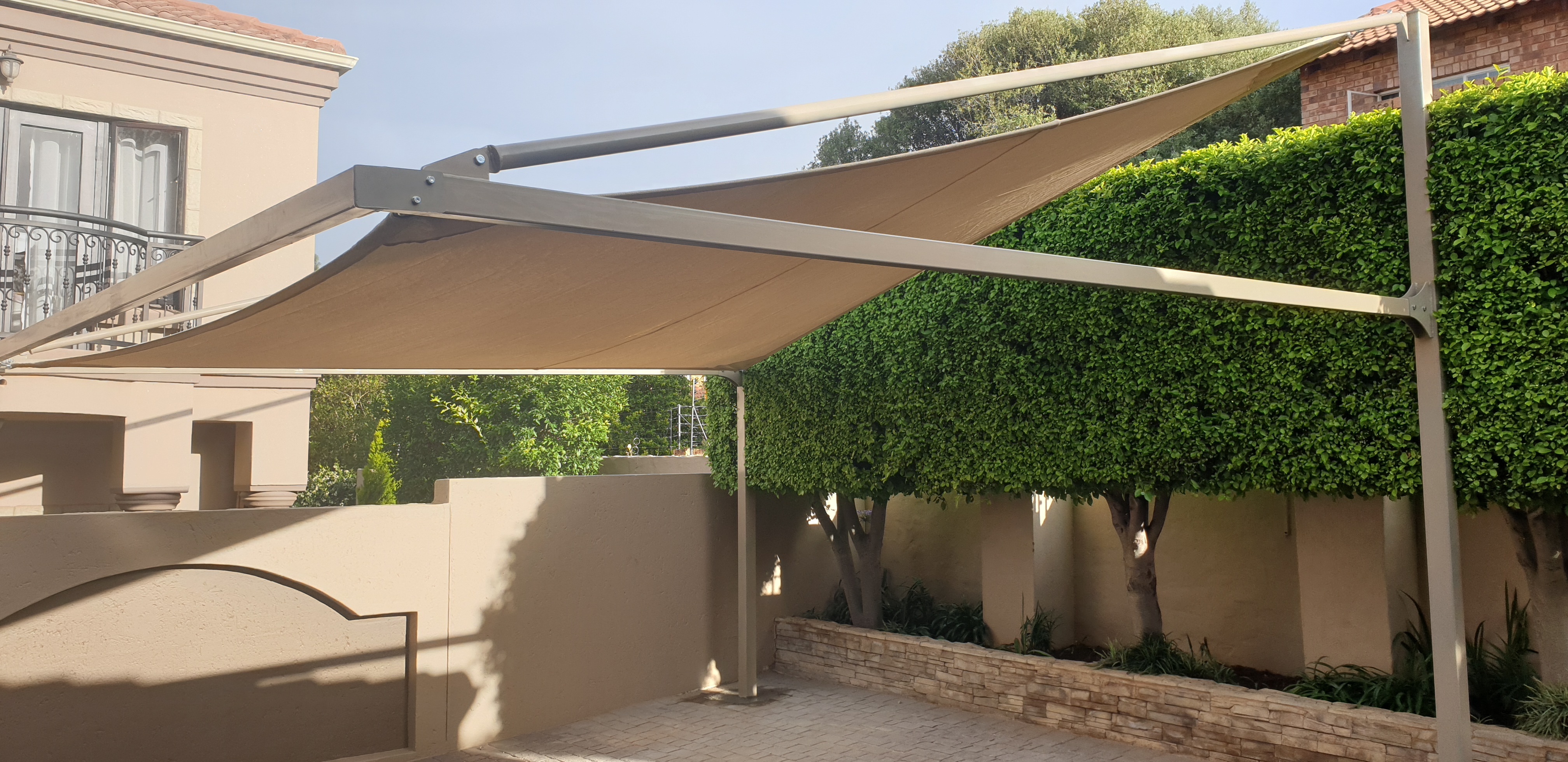 Full Cantilever Shade Sail