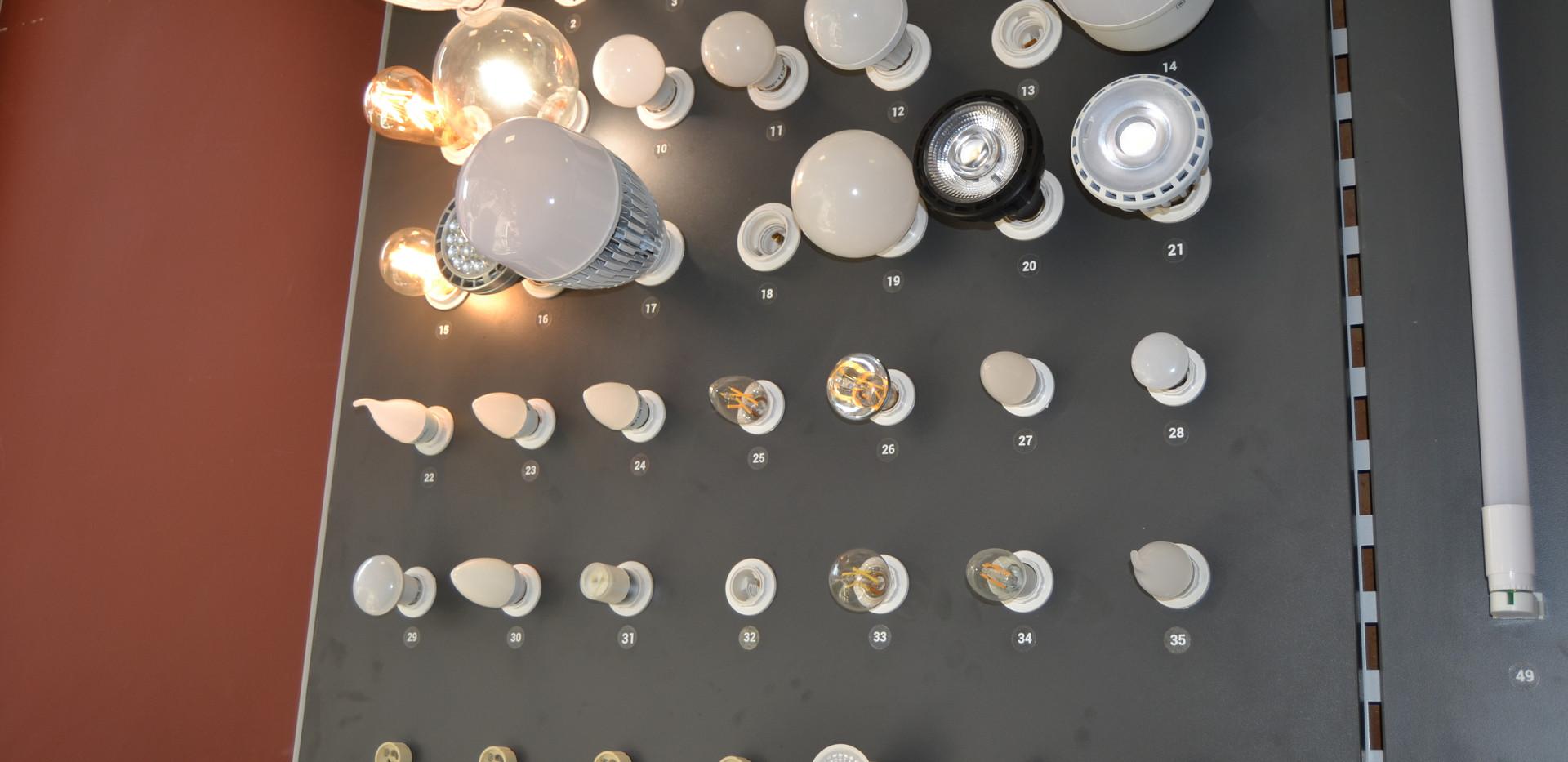 Différents types d'ampoules disponibles chez M.Y. Eclairage