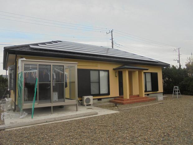 波崎のT様邸の塗り替えが完了しました。足場を使わず脚立で施工したので価格を抑えてできました。