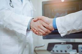 איך לבחור אונקולוג לטיפול במחלת הסרטן?
