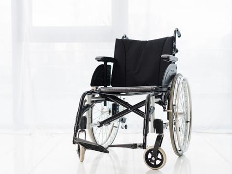 כיצד לבחור כסא גלגלים לקשישים?
