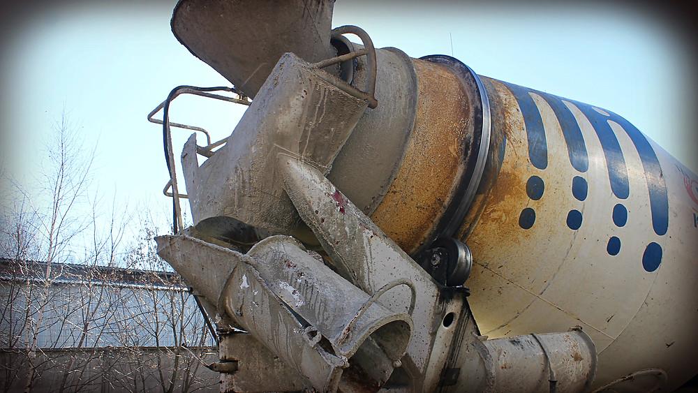 Автобетоносмеситель после ремонта бандажного кольца и замены роликов