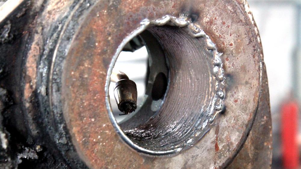 сварочный шов проушины после наплавки металла
