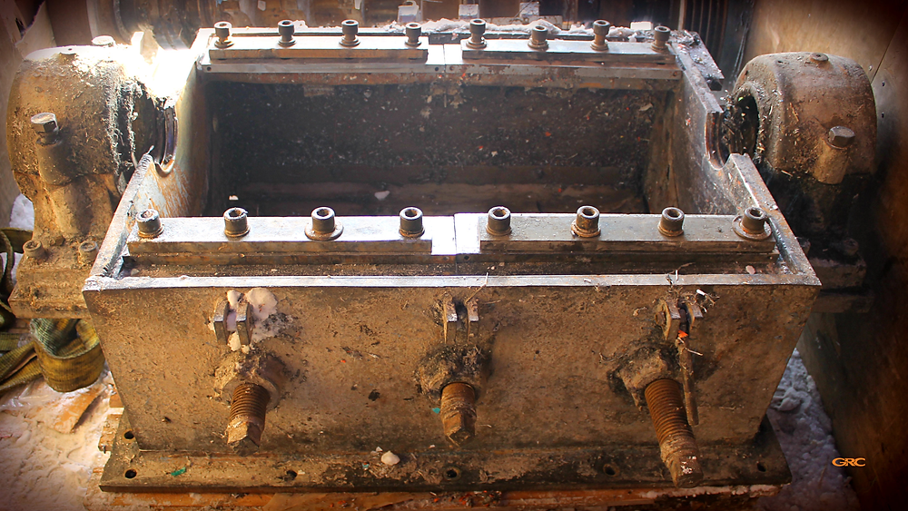 корпус дробилки привезли на ремонт