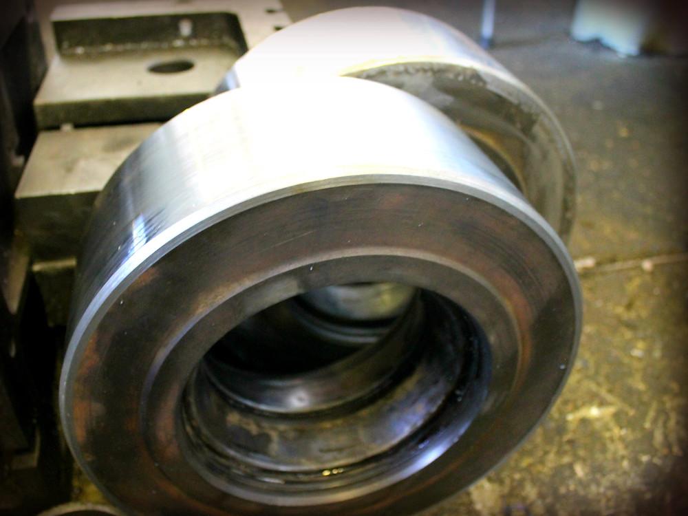 опорные ролики автобетоносмесителя после ремонта