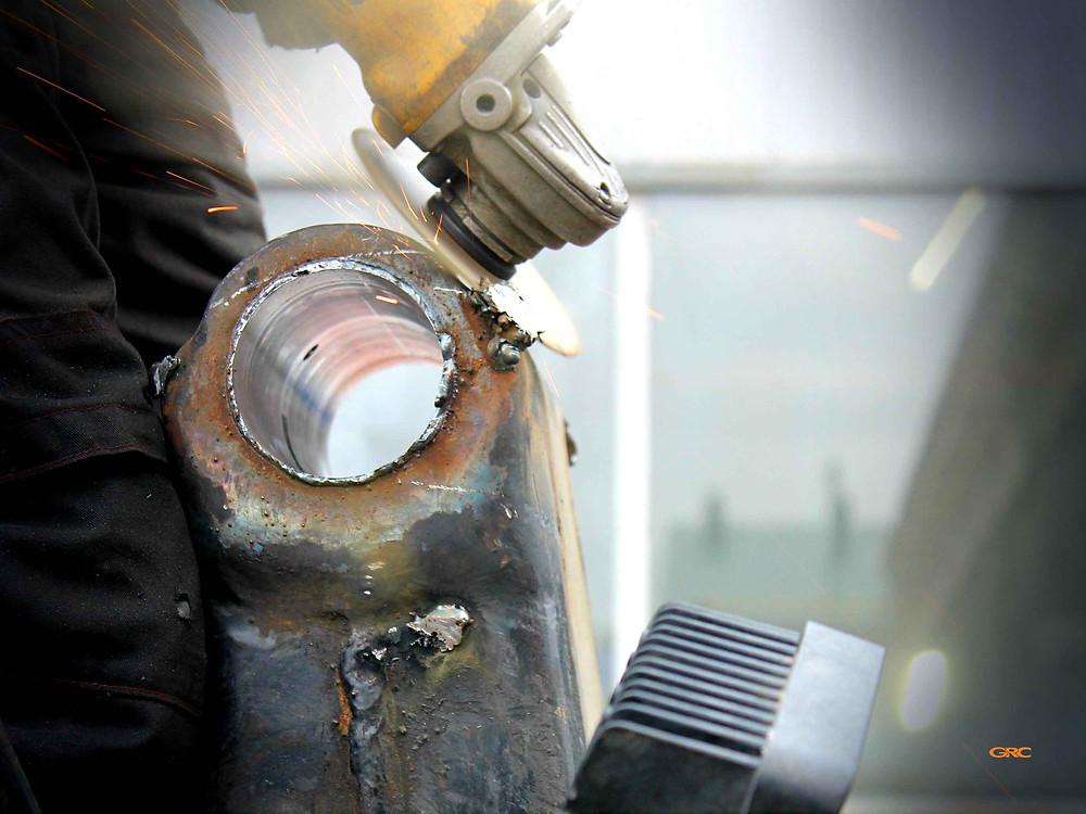 демонтируем оборудование и зачищаем швы