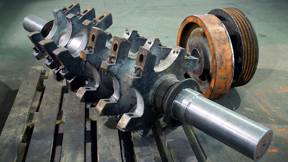 ротор дробилки, маховик и шкив после ремонта