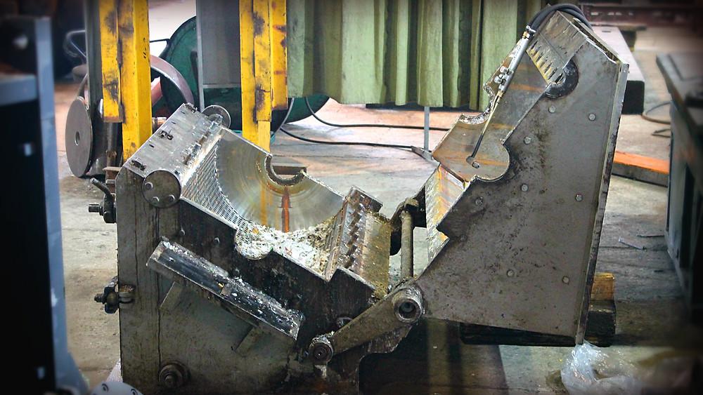 демонтаж всех боковых пластин и зачистка корпуса