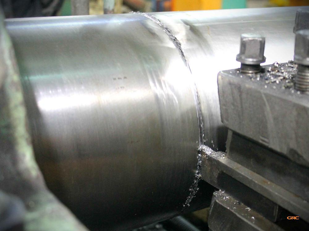 срезаем хвостовик на токарном станке ДИП-500