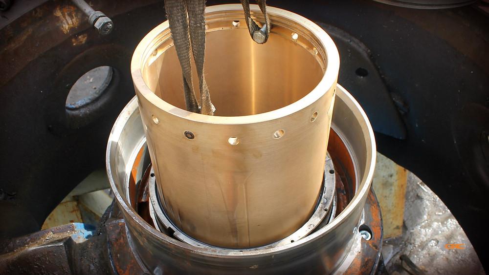 установка бронзовой втулки