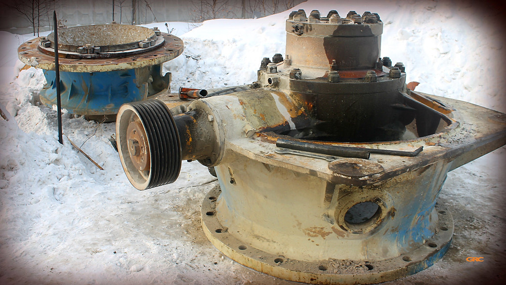 корпус дробилки камня LOKOMO G1810 до ремонта
