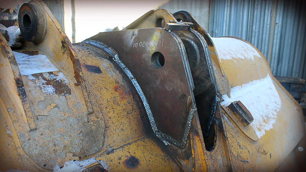 приваренные проушины на ковш фронтального погрузчика