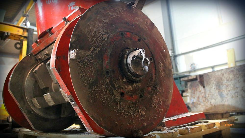 сломанная шейка вала ротора дробилки