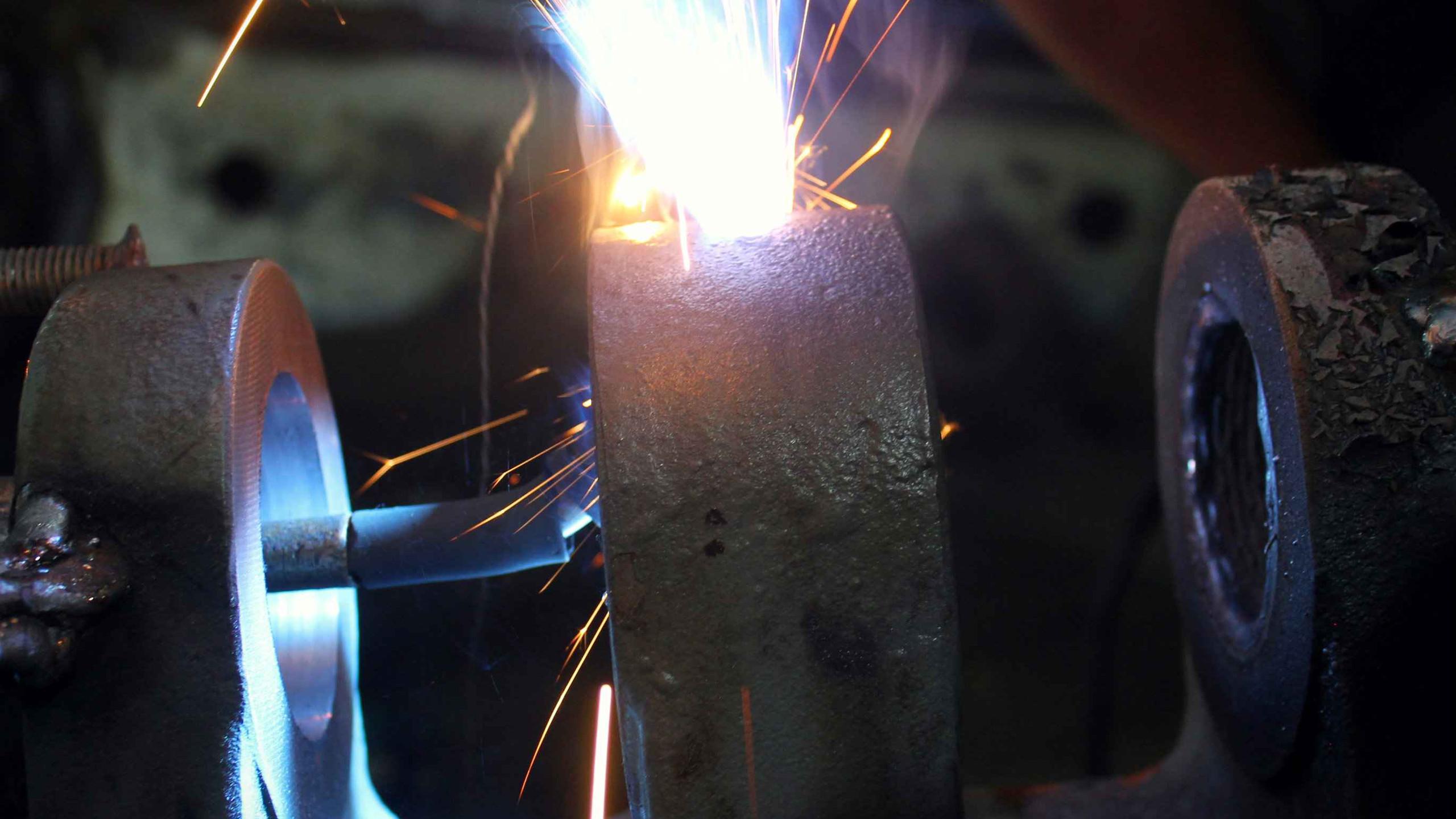 Наплавляем металл на проушины ТПА