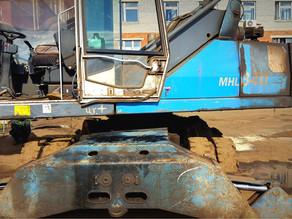 Отличия ремонта рамы перегружателя Fuchs MHL-340 в нашей компании.