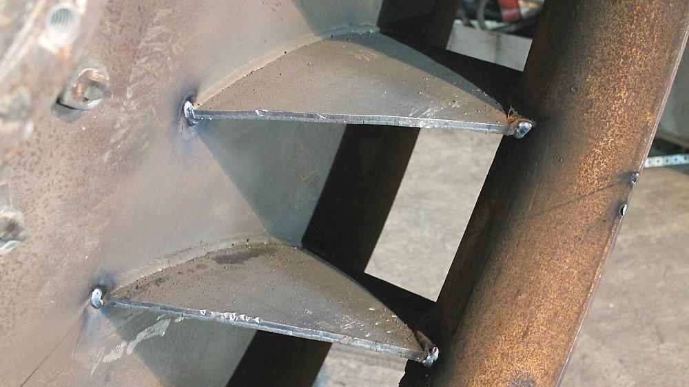 биметаллические плиты готовы к наплавке бронированной стали