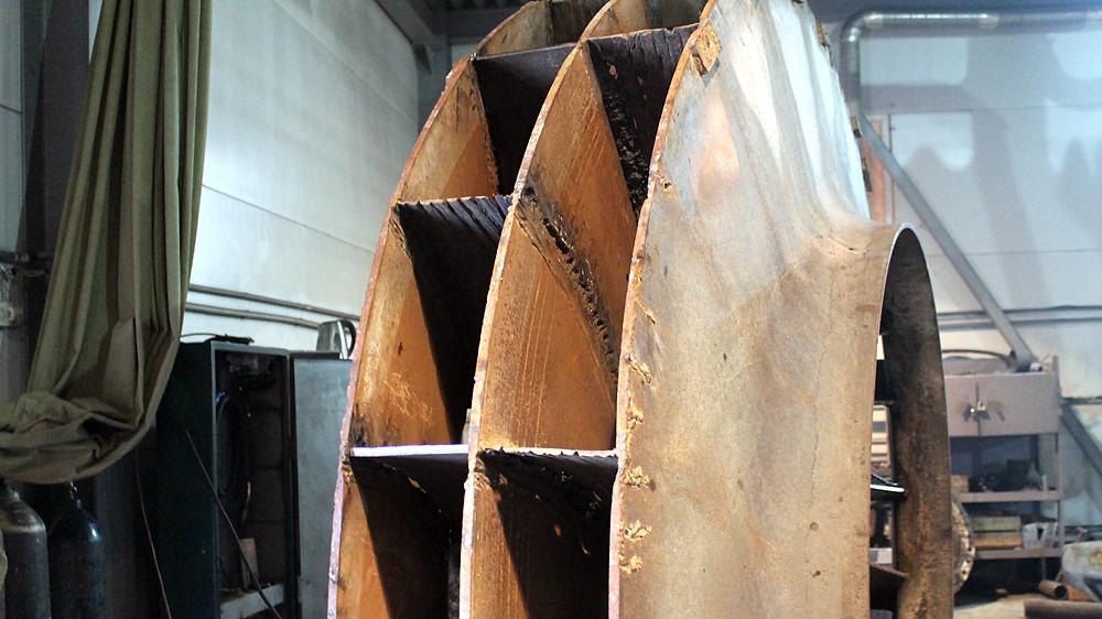 начало работ по ремонту крыльчатки бетононасоса
