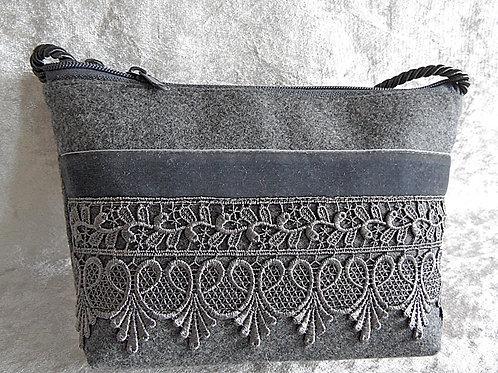 Kordel-Tasche mit Spitze und Samtband