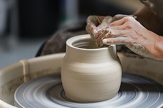 A toute bolée, artisanat, bretagne, poterie, céramique, France, fait-main, grès, porcelaine, métier d'art, atelier, breton, artiste, cadeau, décoration, tournage