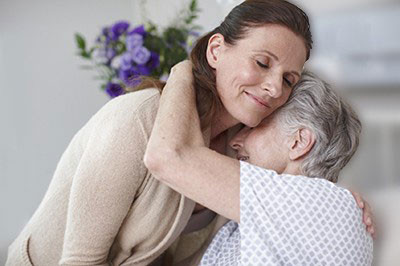 Summary, 04.05.2020 - People in the risk groups can now hug their closest relatives, but no-one else